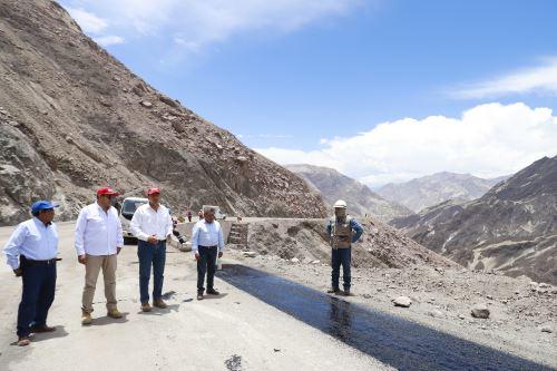 Presidente Vizcarra inspecciona obras en Moquegua
