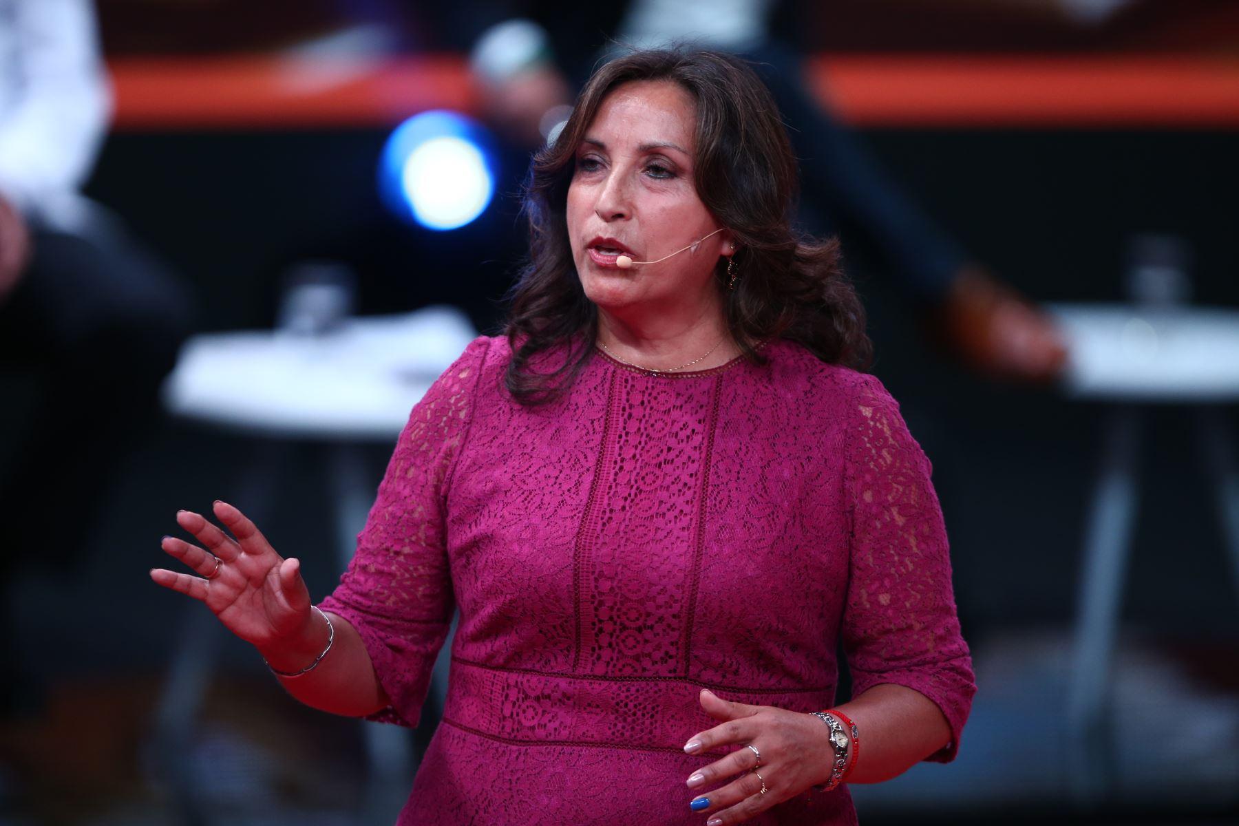 Dina Boluarte, candidato al Congreso por Perú Libre participa en segundo debate de Lima Metropolitana. Foto: ANDINA/Tarqui Vidal