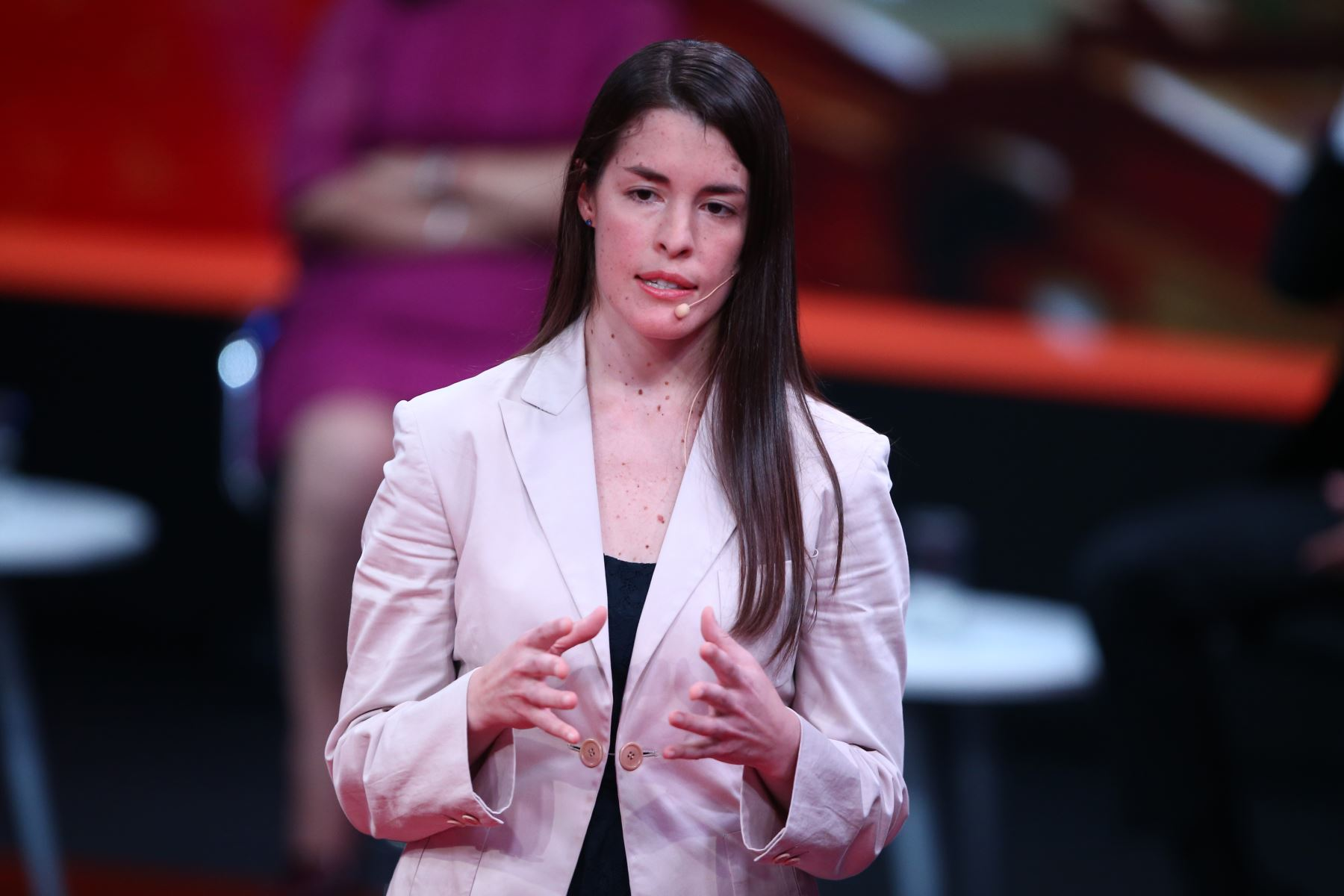 Alessandra Krause, candidata al Congreso por partido político Contigo Directa participa en segundo debate de Lima Metropolitana. Foto: ANDINA/Tarqui Vidal