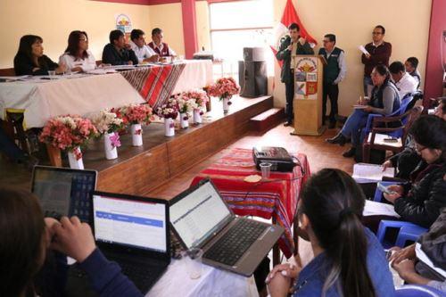 Alta comisionada para el Diálogo y Desarrollo del Corredor Vial Sur, Paola Bustamante, en reunión en Cusco. Foto: Difusión.