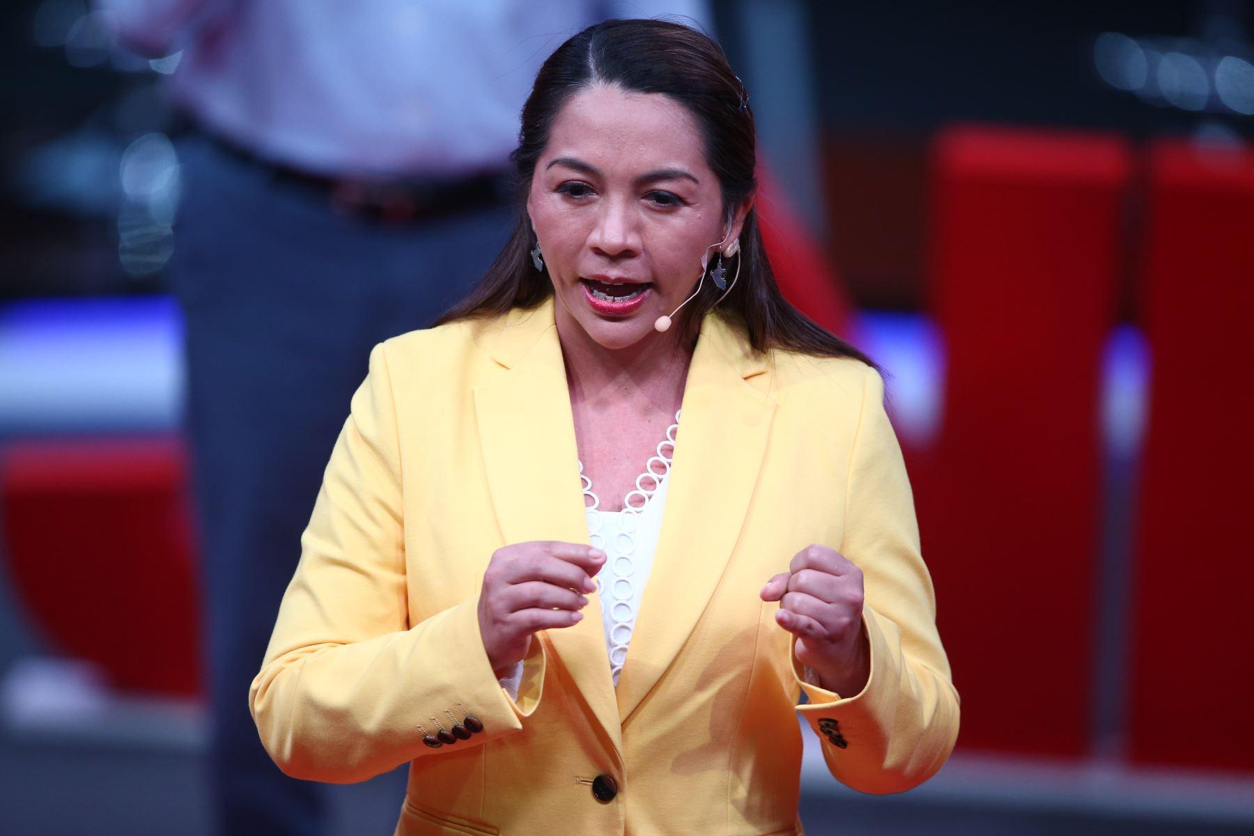 Nelly Cuadros, candidata al Congreso por Solidaridad Nacional participa en tercer debate de Lima Metropolitana organizado por JNE. Foto: ANDINA/Vidal Tarqui