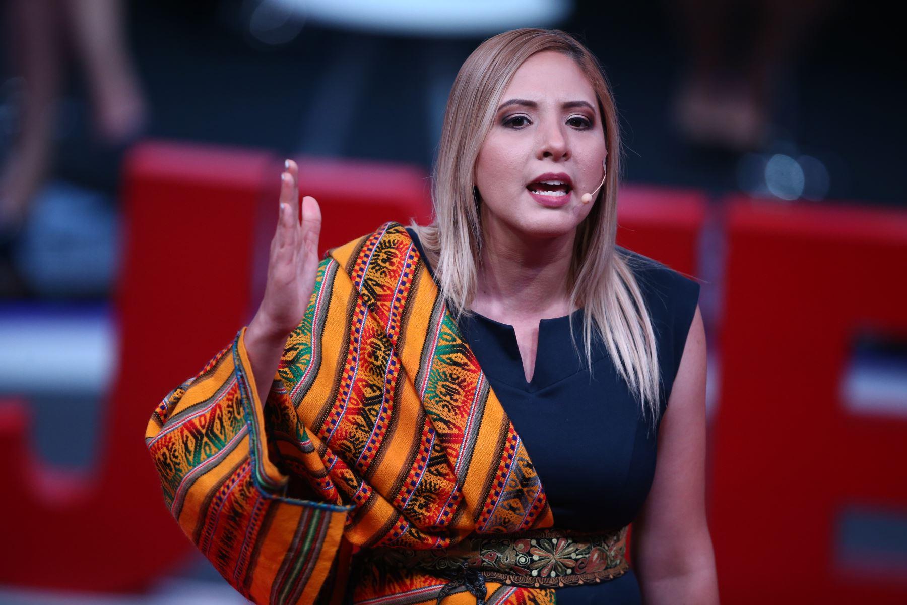Andrea Medina, candidata al Congreso por Renacimiento Unido Nacional participa en tercer debate de Lima Metropolitana organizado por JNE. Foto: ANDINA/Vidal Tarqui