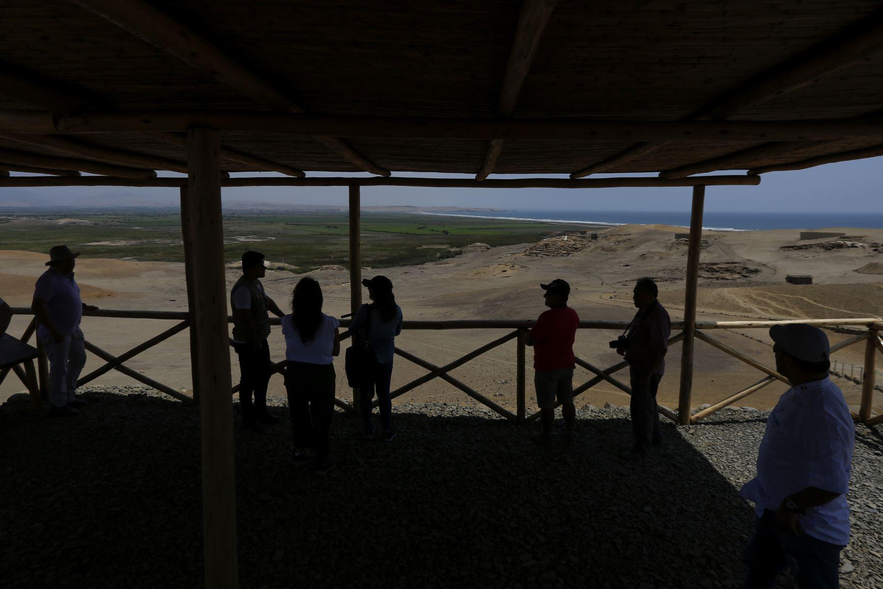 La provincia de Barranca ubicada a 175 kilómetros al norte de Lima es una gran opción para el turismo. El Complejo Arqueológico Áspero, es uno de sus atractivos.  Foto: ANDINA/Renato Pajuelo