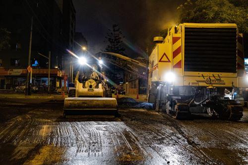 Trabajos de mantenimiento en avenida Aramburú. Foto: Andina/Difusión