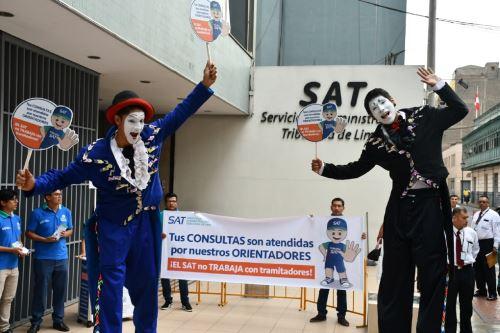 SAT lanza campaña contra los tramnitadires Foto: SAT