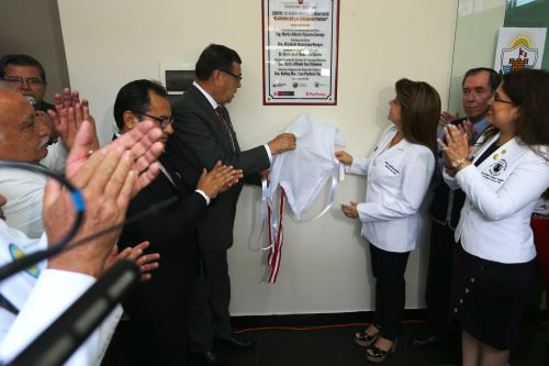 Ministra de Salud inaugura centro de salud en Carmen de la Legua