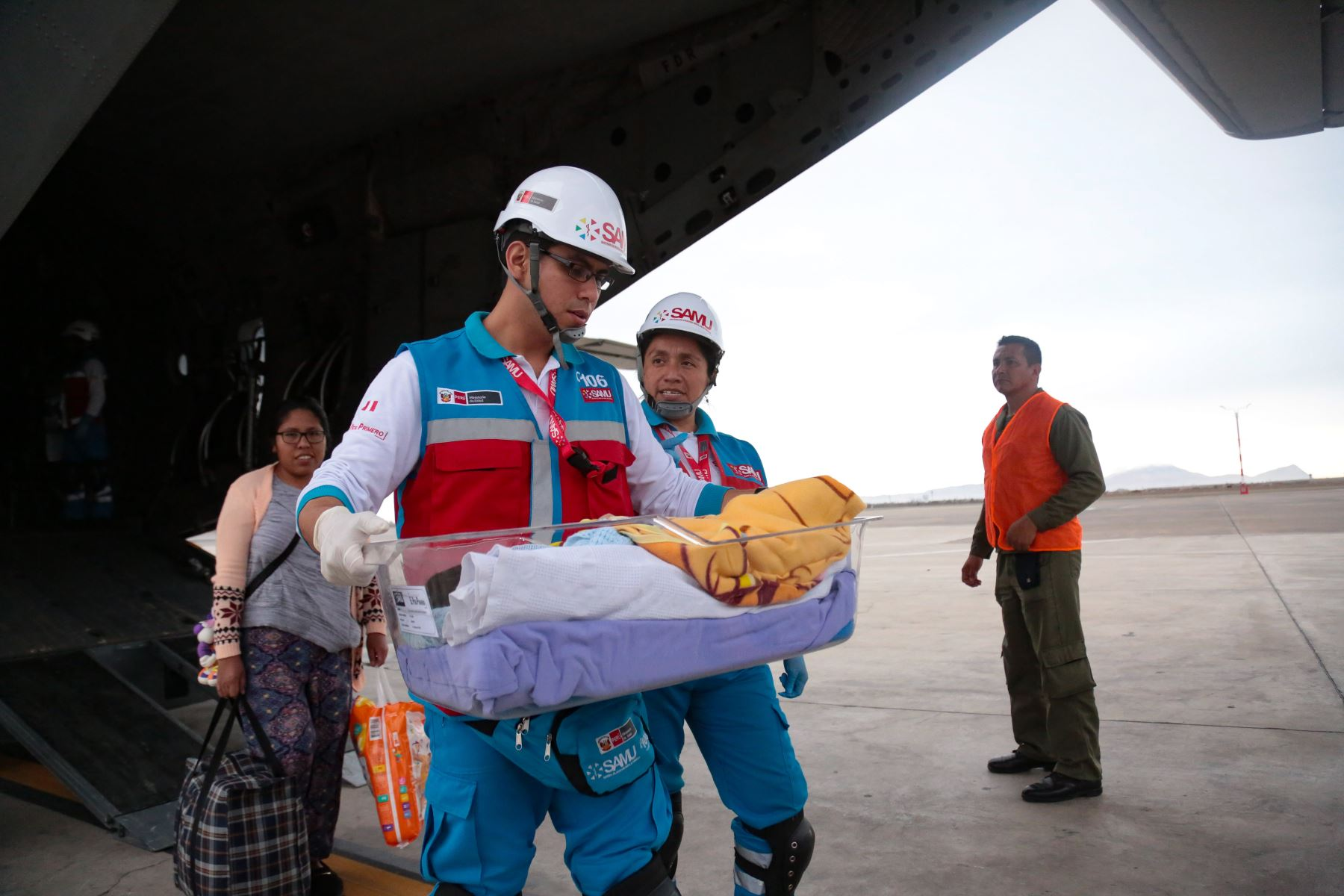 Los menores fueron trasladados de emergencia por personal médico del SAMU, quienes, durante el vuelo, monitorearon el estado de los pacientes garantizando en todo momento su integridad. Foto: ANDINA/Difusión