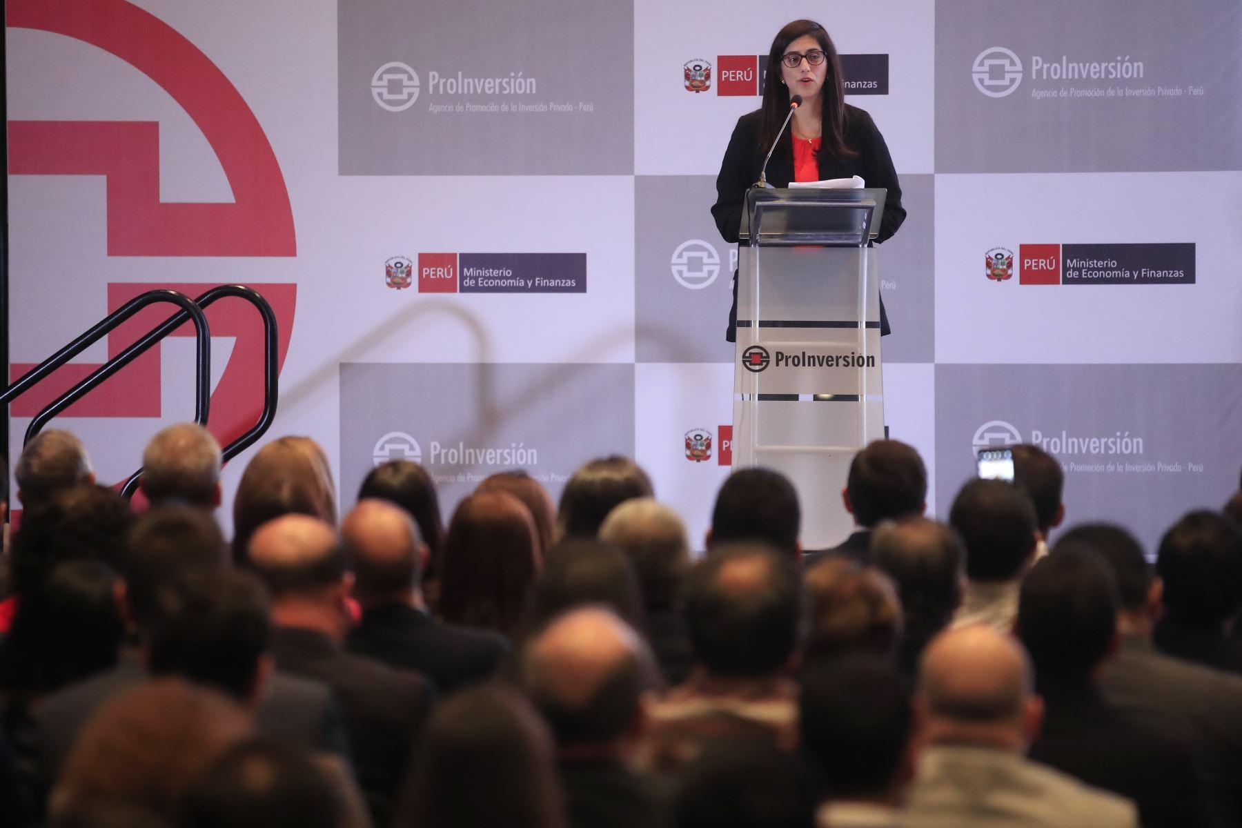 Ministra de Economía y Finanzas, María Antonieta Alva, participa en la presentación del portafolio de proyectos 2020-2021. Foto: ANDINA/Juan Carlos Guzmán