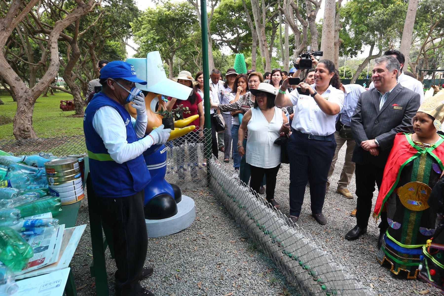 Ministra de Ambiente,  Fabiola Muñoz, inaugura Eco parque en Campo de Marte, Jesús María.Foto:ANDINA/Héctor Vinces.