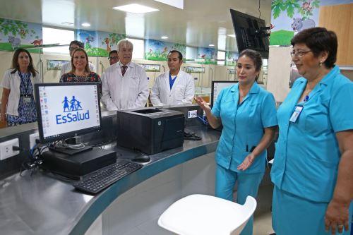 Inauguración de nueva área de hematología pediátrica en Hospital Almenara
