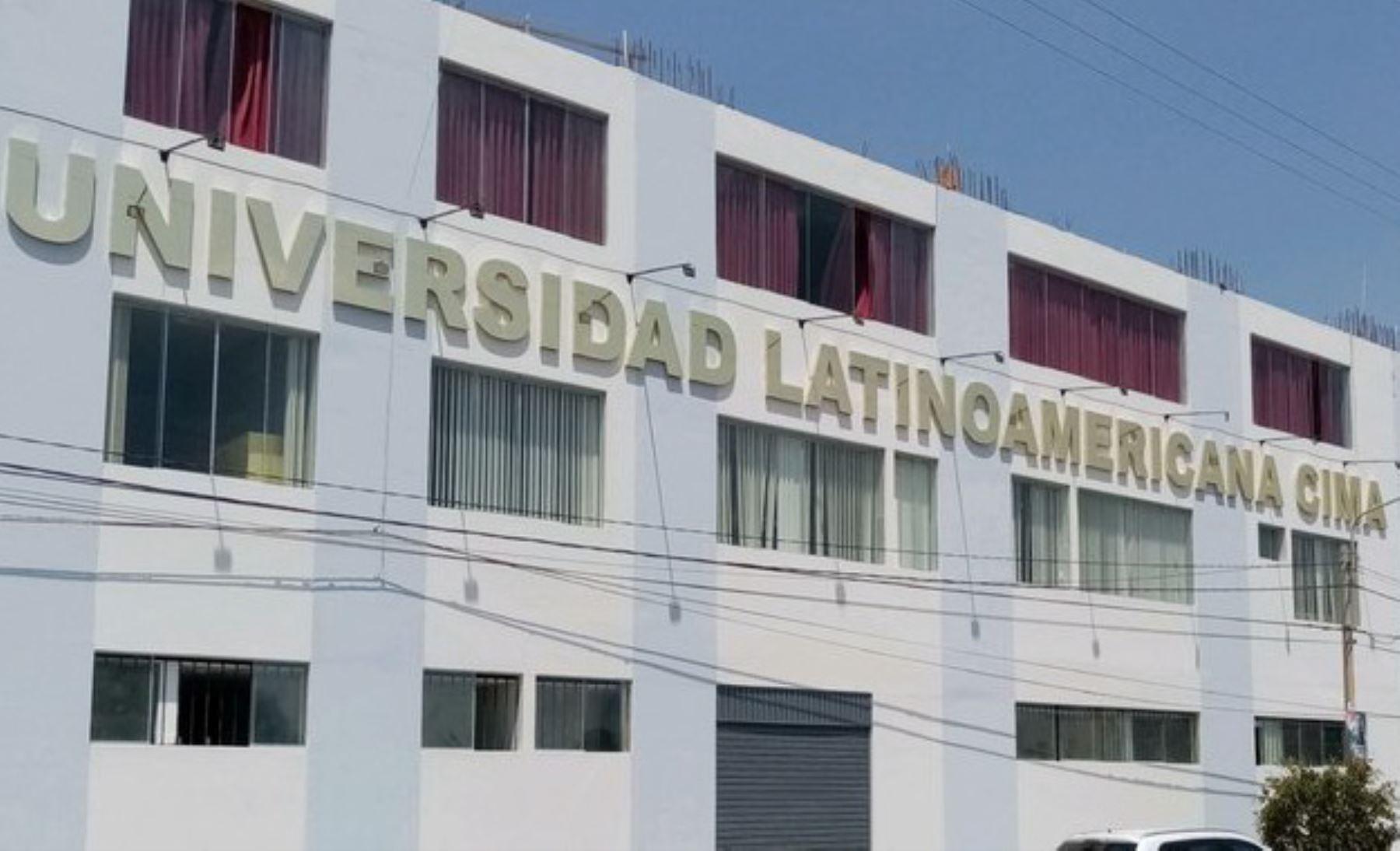 La Universidad Latinoamericana Cima S.A.C. dejará de ofrecer el servicio educativo superior universitario en el territorio nacional, dado que la Superintendencia Nacional de Educación Superior Universitaria (Sunedu) le denegó la licencia institucional.