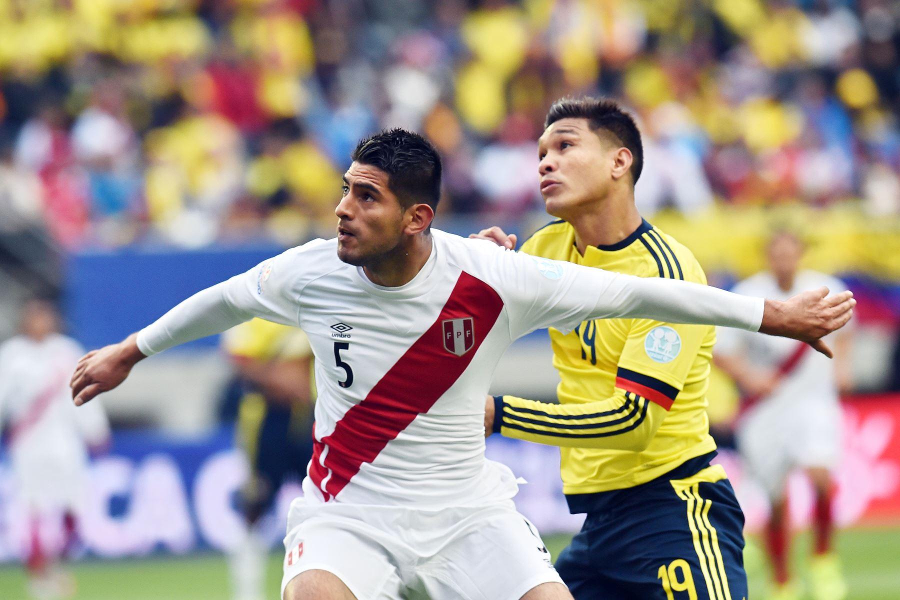 El defensa peruano Carlos Zambrano pasará hoy los exámenes médicos en las instalaciones del Boca Juniors, así lo dio a conocer el portal TyC Sport de Argentina, que confirma la contratación del jugador. AFP