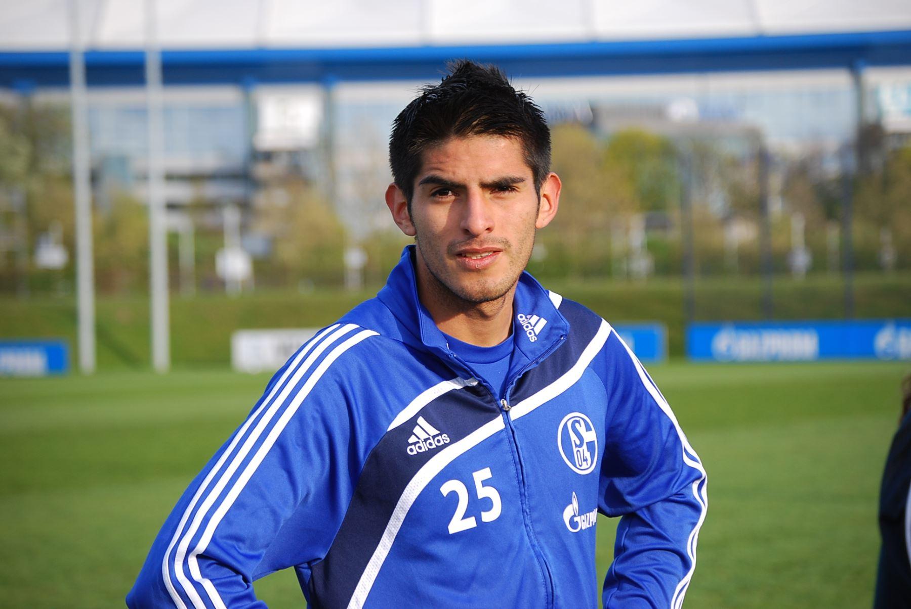 En el 2006 Zambrano fue contratado por  el club alemán FC Schalke para integrar su división de menores. Foto: ANDINA/Difusión