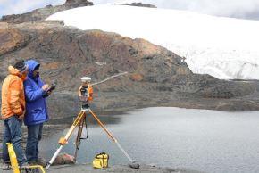 El Ministerio de Agricultura y Riego (Minagri), a través de la Autoridad Nacional del Agua (ANA), informó que el Perú perdió el 51% de su superficie glaciar, en los últimos 50 años, debido a los efectos del cambio climático en estas reservas de agua sólida. ANDINA/Difusión