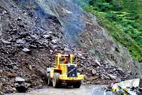 MTC atiende emergencias por lluvias y huaicos en varias regiones