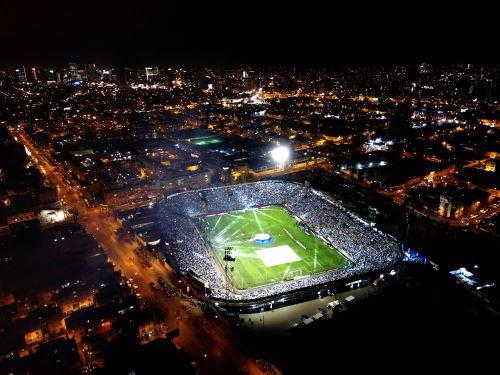 Alianza Lima presenta a su plantel 2020 en la Noche Blanquiazul