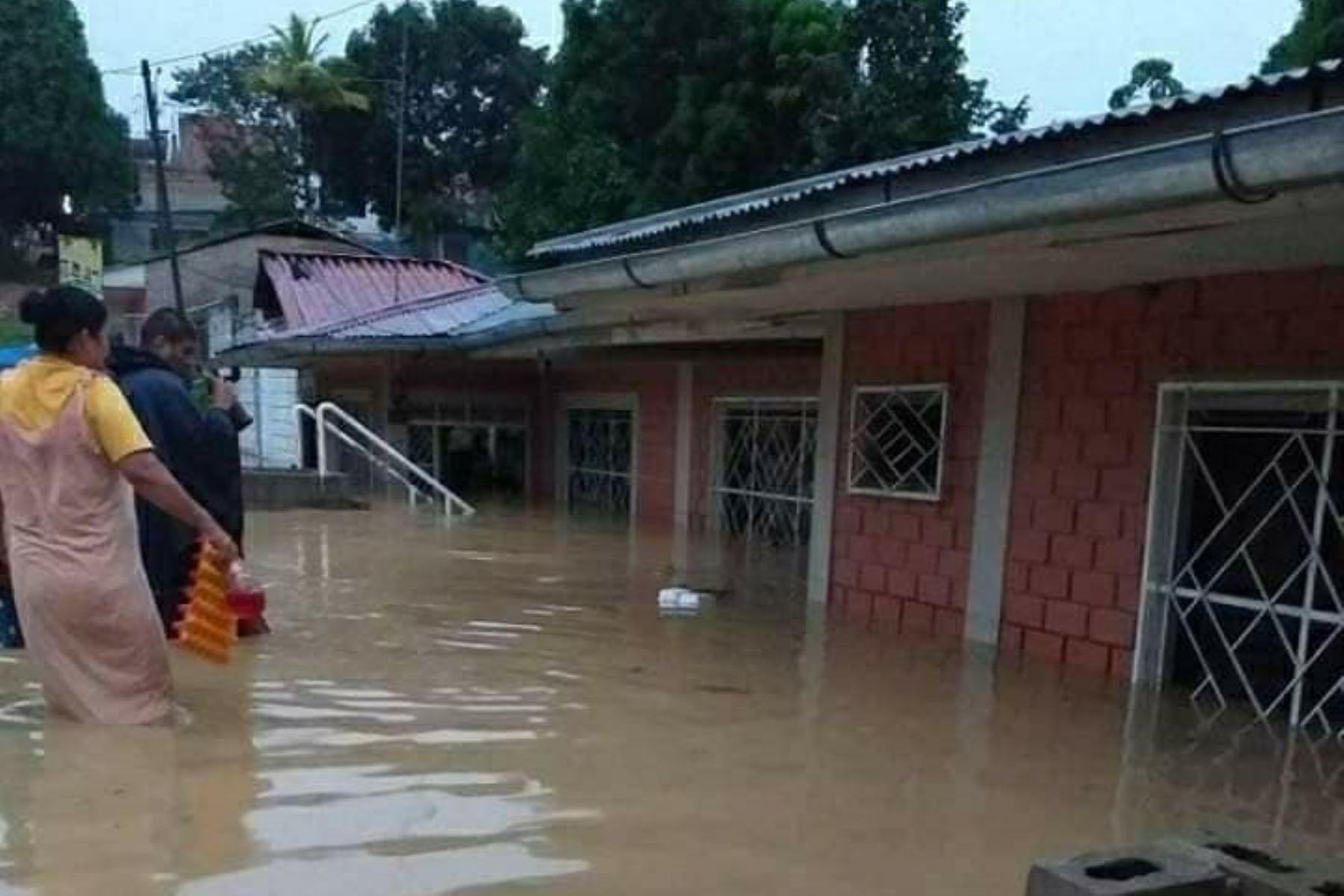 Viviendas y calles de Tarapoto colapsan por inundación provocada por una lluvia torrencial que se registró esta madrugada. ANDINA/Difusión