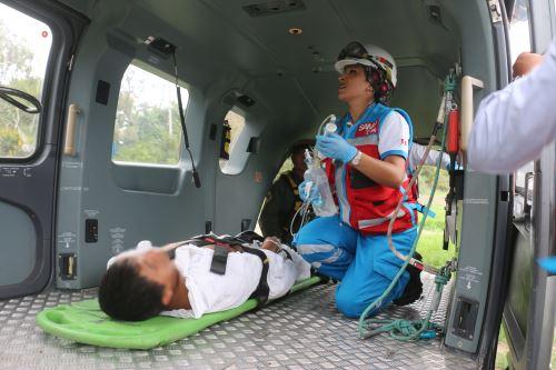 Ministerio de Salud atiende a los heridos del accidente en Villa el Salvador