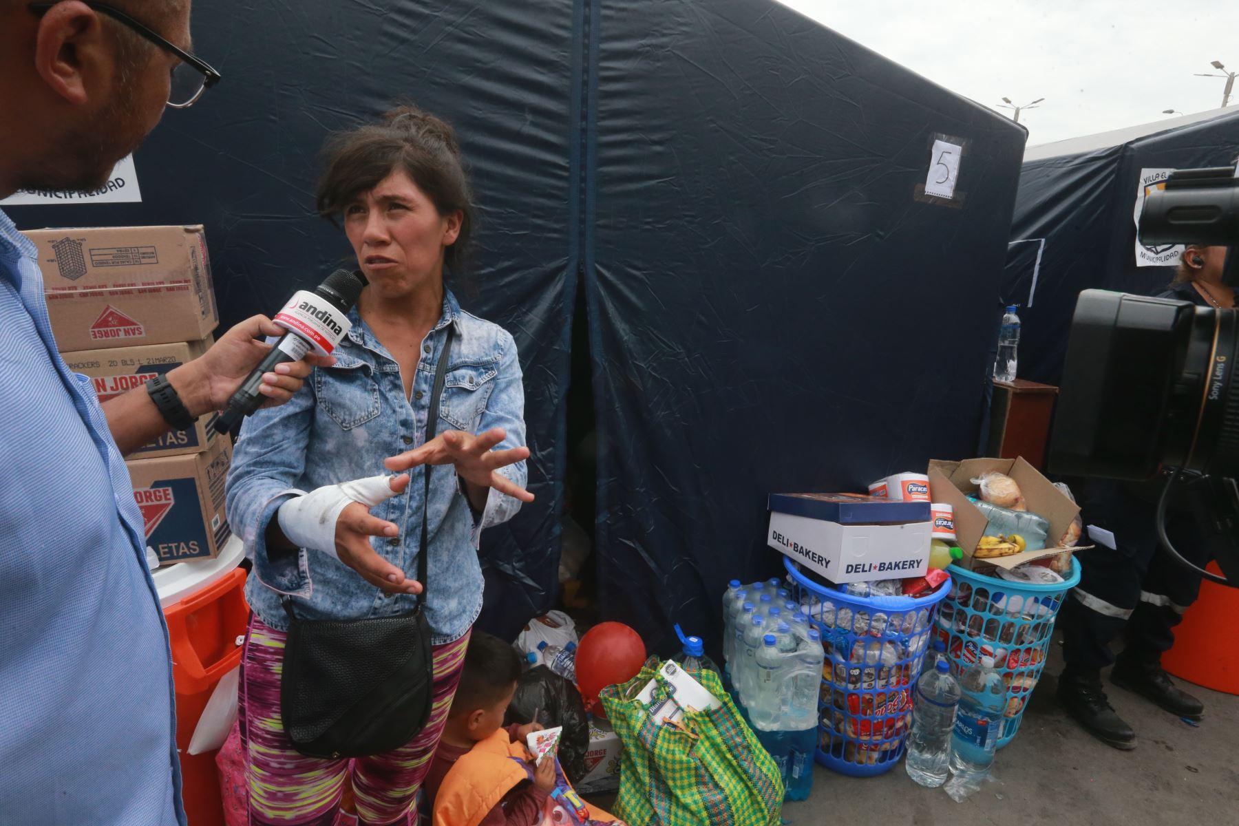 Olinda Alcira Chavez Bollo, mujer que salvo a niño durante la deflagración en Villa el Salvador. Foto: ANDINA/Jhony Laurente
