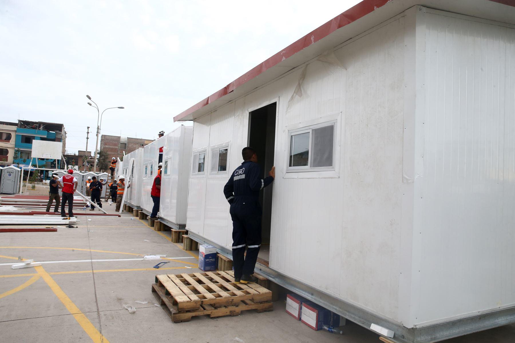 Ministerio de Vivienda instala módulos de vivienda temporal y atiende las necesidades de las familias damnificadas tras el incidente en Villa el Salvador. Foto: ANDINA/ Vidal Tarqui