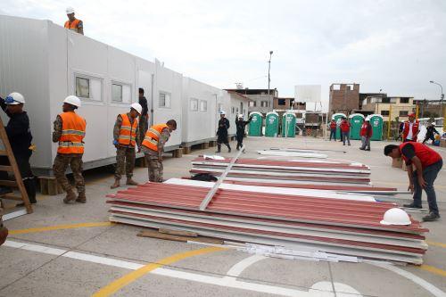Ministerio de Vivienda instala módulos de vivienda temporales a familias damnificadas en Villa El Salvador