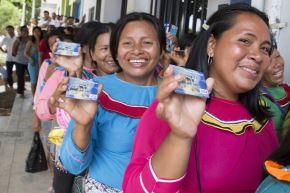 Más de 630,000 usuarias del programa Juntos cuentan con una tarjeta de débito