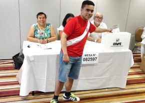 Se inician las elecciones congresales con el voto de los peruanos residentes en Nueva Zelanda.