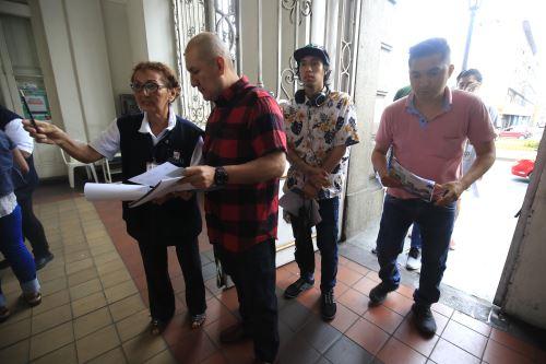 Elecciones 2020: primeros electores llegan a sus centros de votación
