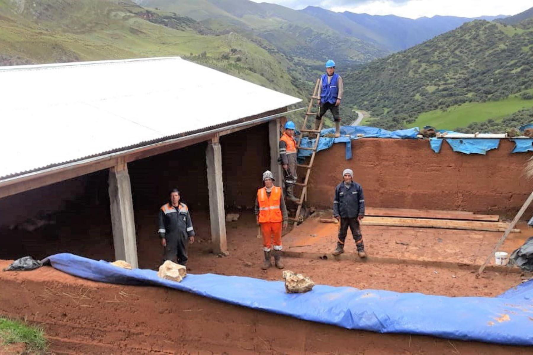 Ministerio de Agricultura culminó la construcción de cobertizos para proteger a 12,000 cabezas de ganado ovino y alpaca de Pasco. ANDINA/Difusión