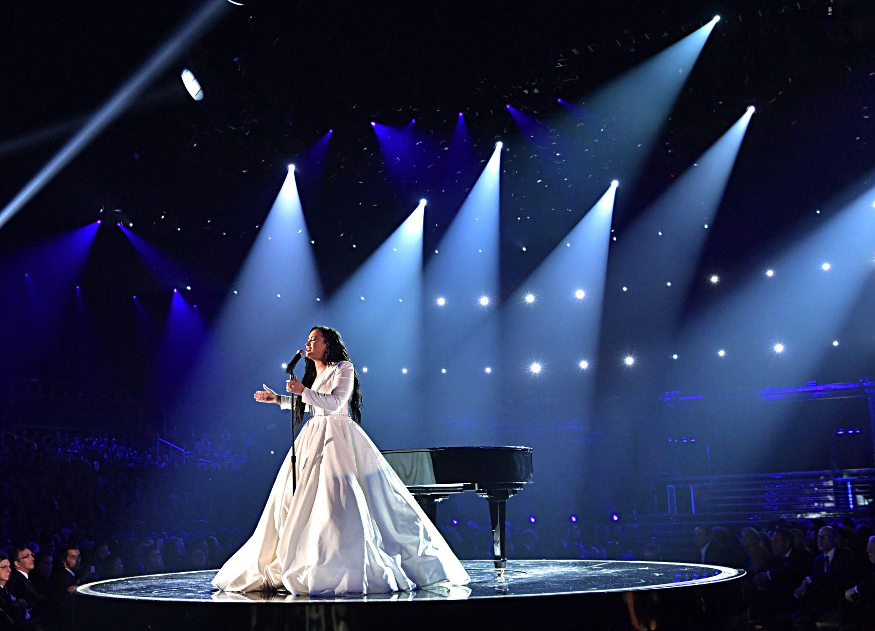 Demi Lovato se presenta en el escenario durante la 62a Entrega Anual de los Premios GRAMMY en el STAPLES Center  en Los Ángeles, California. Foto: AFP