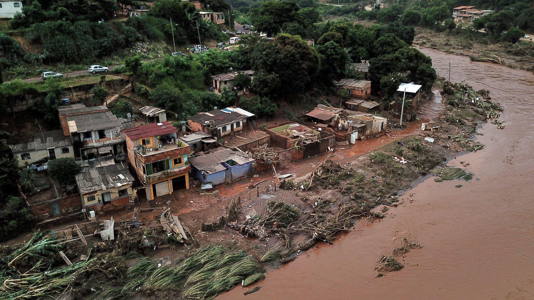 Al menos 30 personas han muerto en dos días de tormentas intensas en el sureste de Brasil. AFP