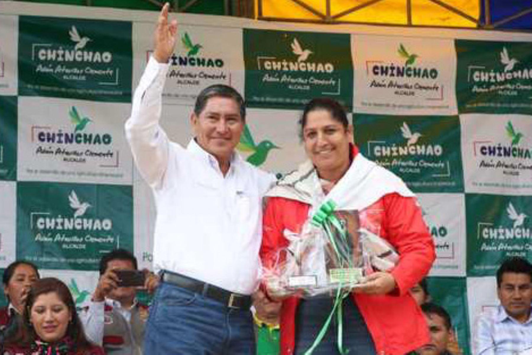 La ministra del Ambiente, Fabiola Muñoz, y el gobernador regional de Huánuco, Juan Manuel Alvarado, encabezaron la ceremonia de presentación del Área de Conservación Regional Bosque Montano de Carpish