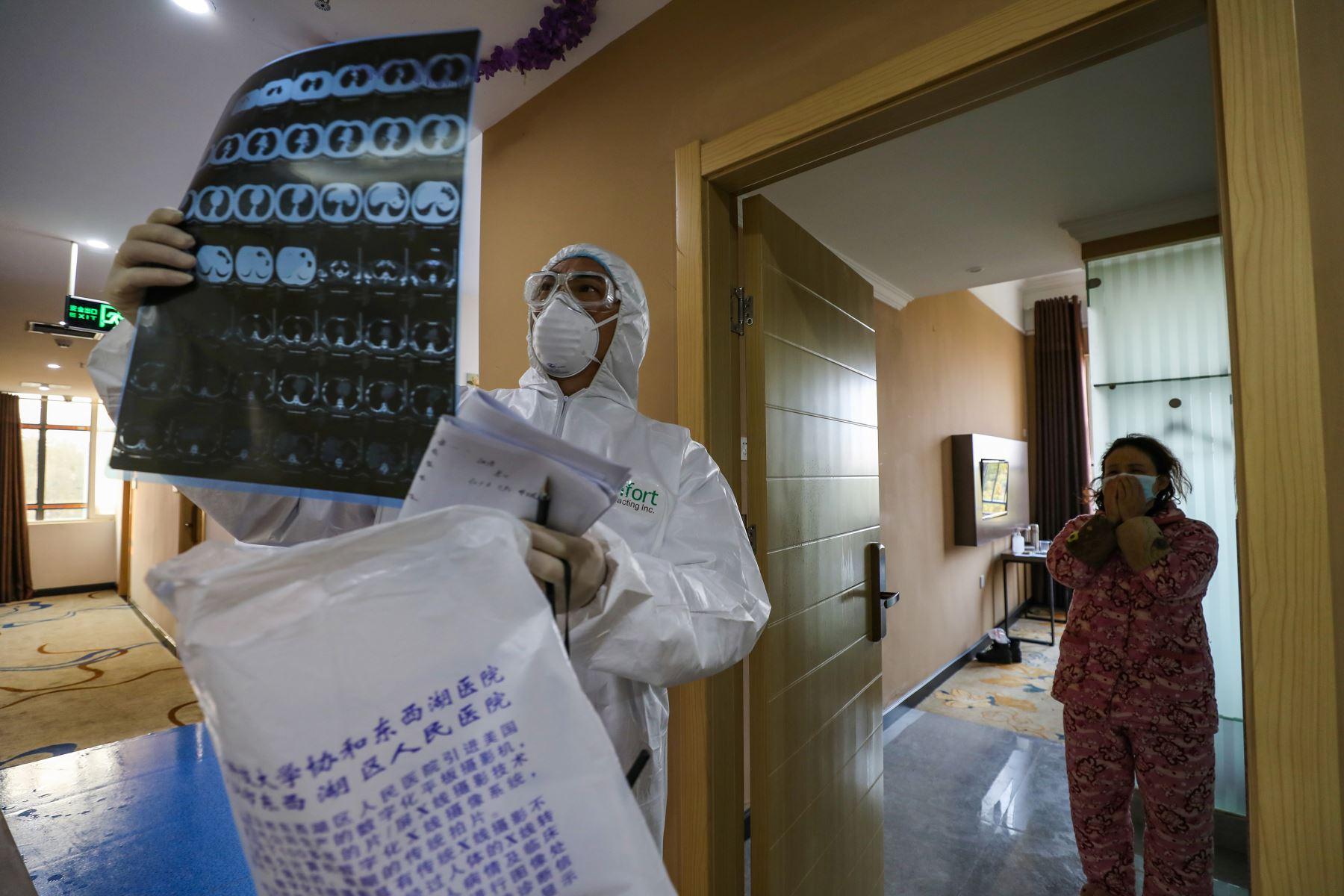 La medicina despliega esfuerzos en todos los ámbitos en un intento por frenar al Covid-19. Foto: AFP