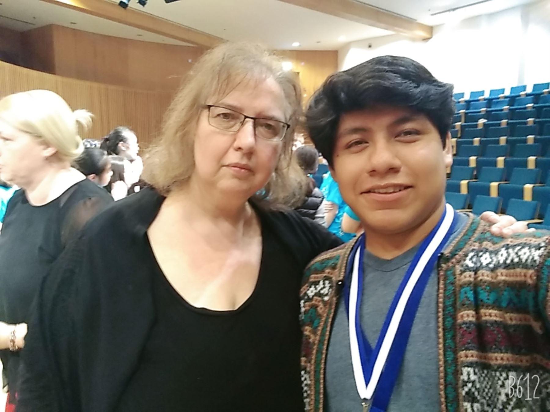 El joven flautista peruano Erwin Calcina obtuvo el tercer puesto en el Tercer Festival Internacional de Flauta de Tel Aviv.