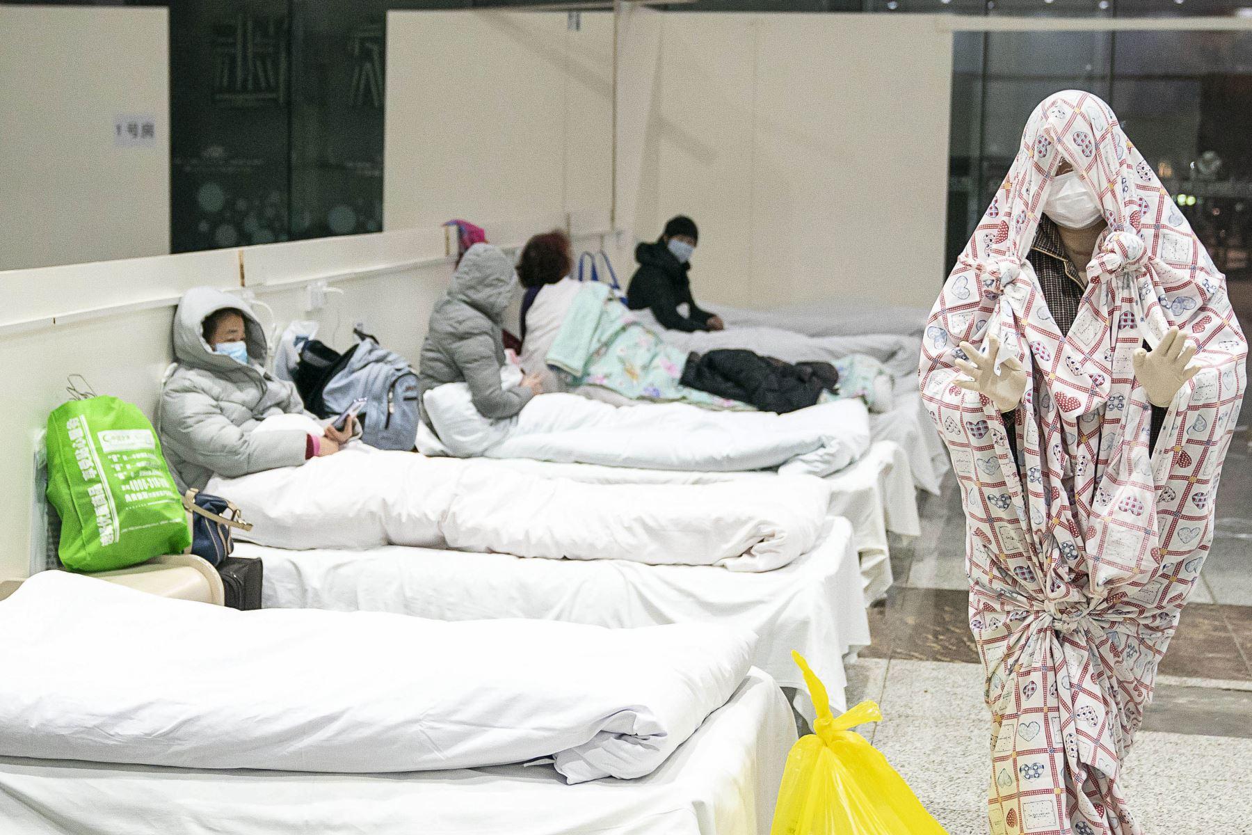 Un hombre de 61 años, procedente del centro de Taiwán, urió en el hospital el sábado tras dar positivo al coronovirus. Foto: AFP/Archivo