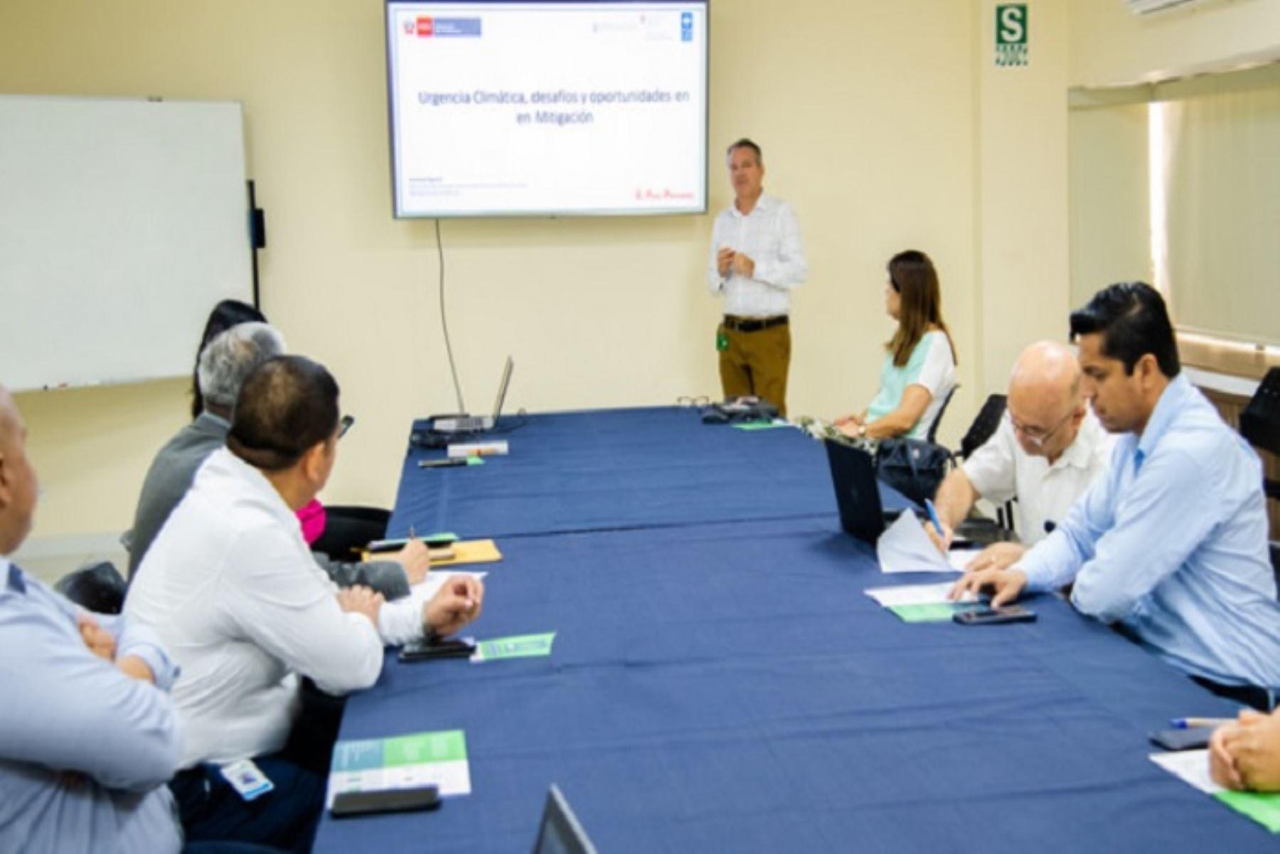 Más de una docena de empresas manifestaron su interés por ser parte la plataforma que involucra activamente al sector privado en el compromiso climático del país.