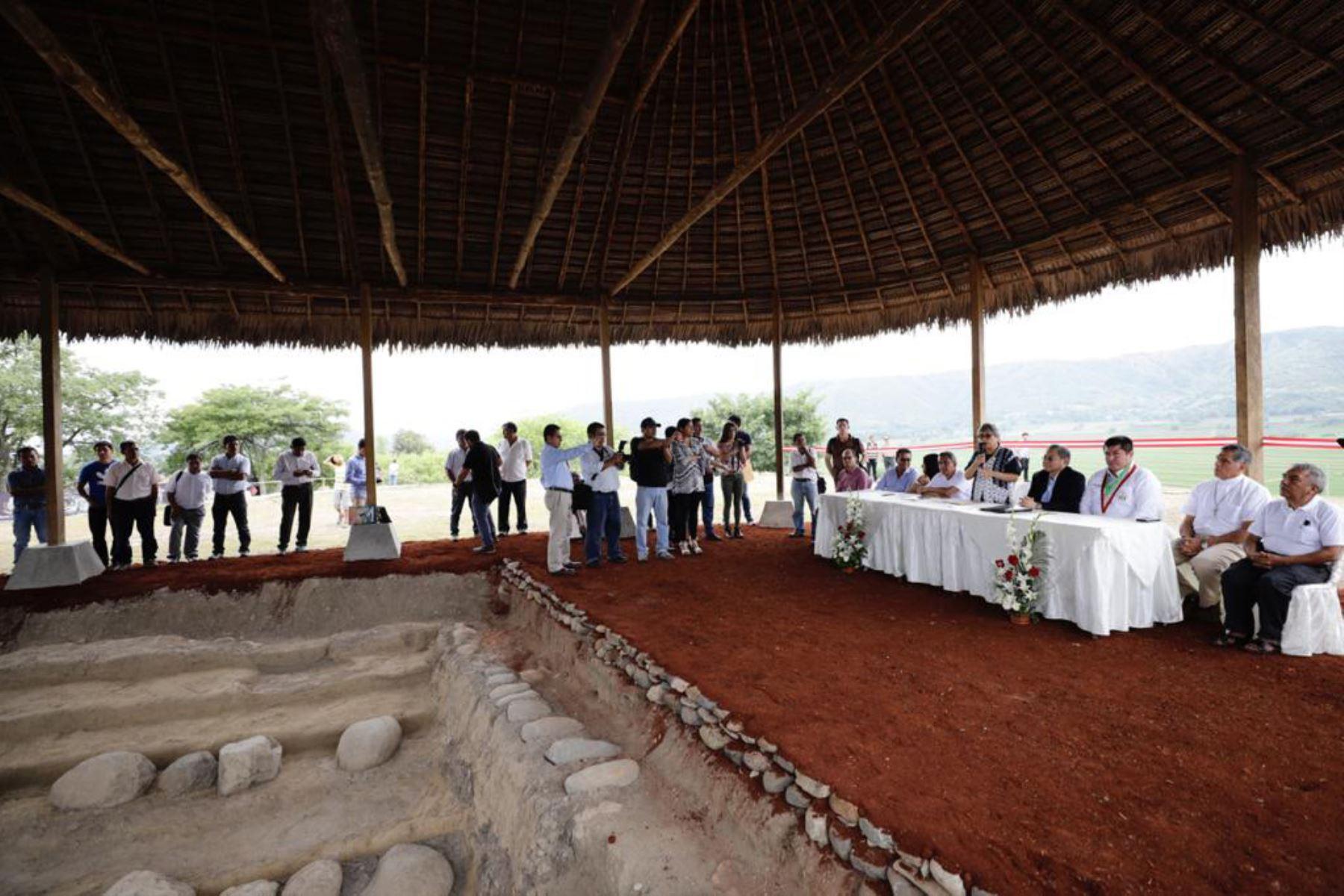 La ministra de Cultura , SoniaGuillén participa en la inauguración de la cubierta tipo maloca en el Templo Arqueológico Montegrande en Jaén, Cajamarca, y suscribe el convenio interinstitucional para continuar con las investigaciones arqueológicas en la zona. Foto: Difusión Mincul