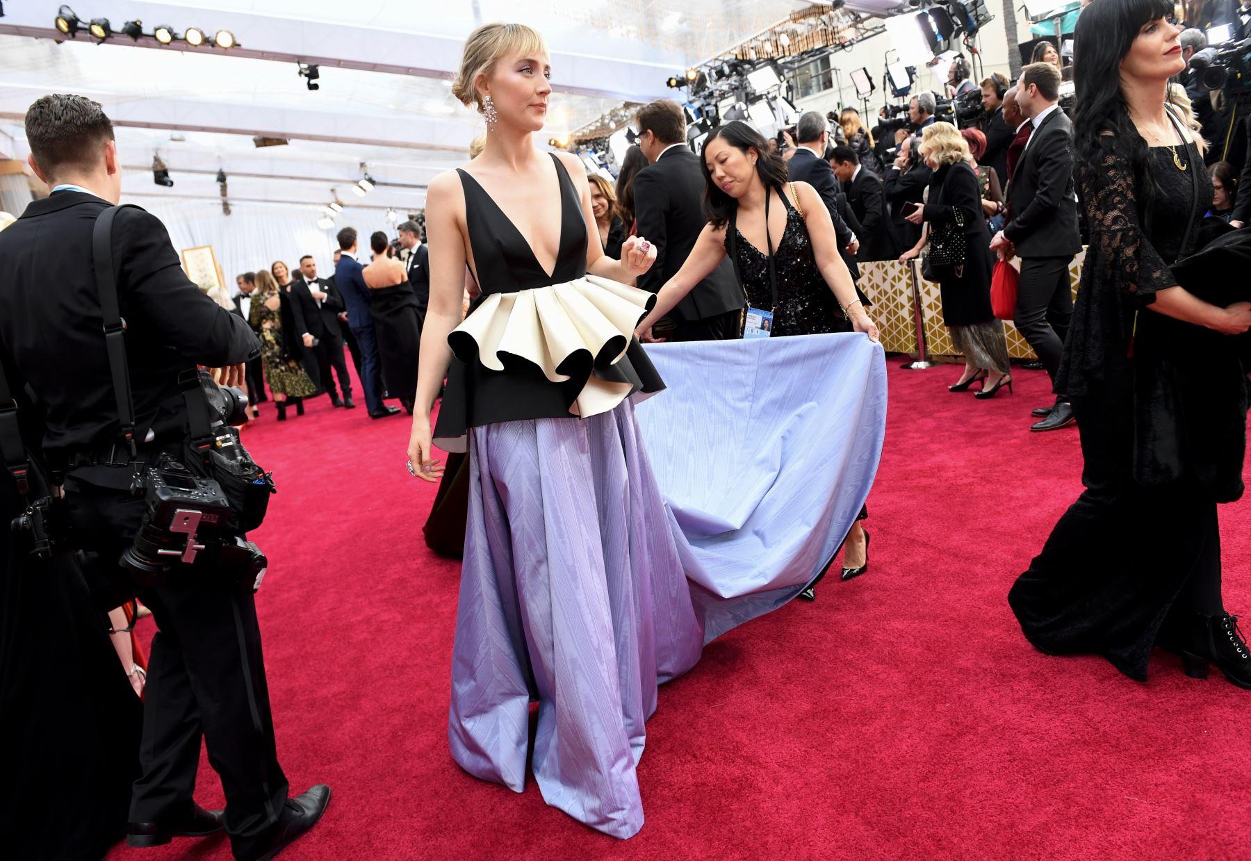 La actriz estadounidense-irlandesa Saoirse Ronan llega para el 92º Oscar al Dolby Theatre de Hollywood, California. Foto: AFP