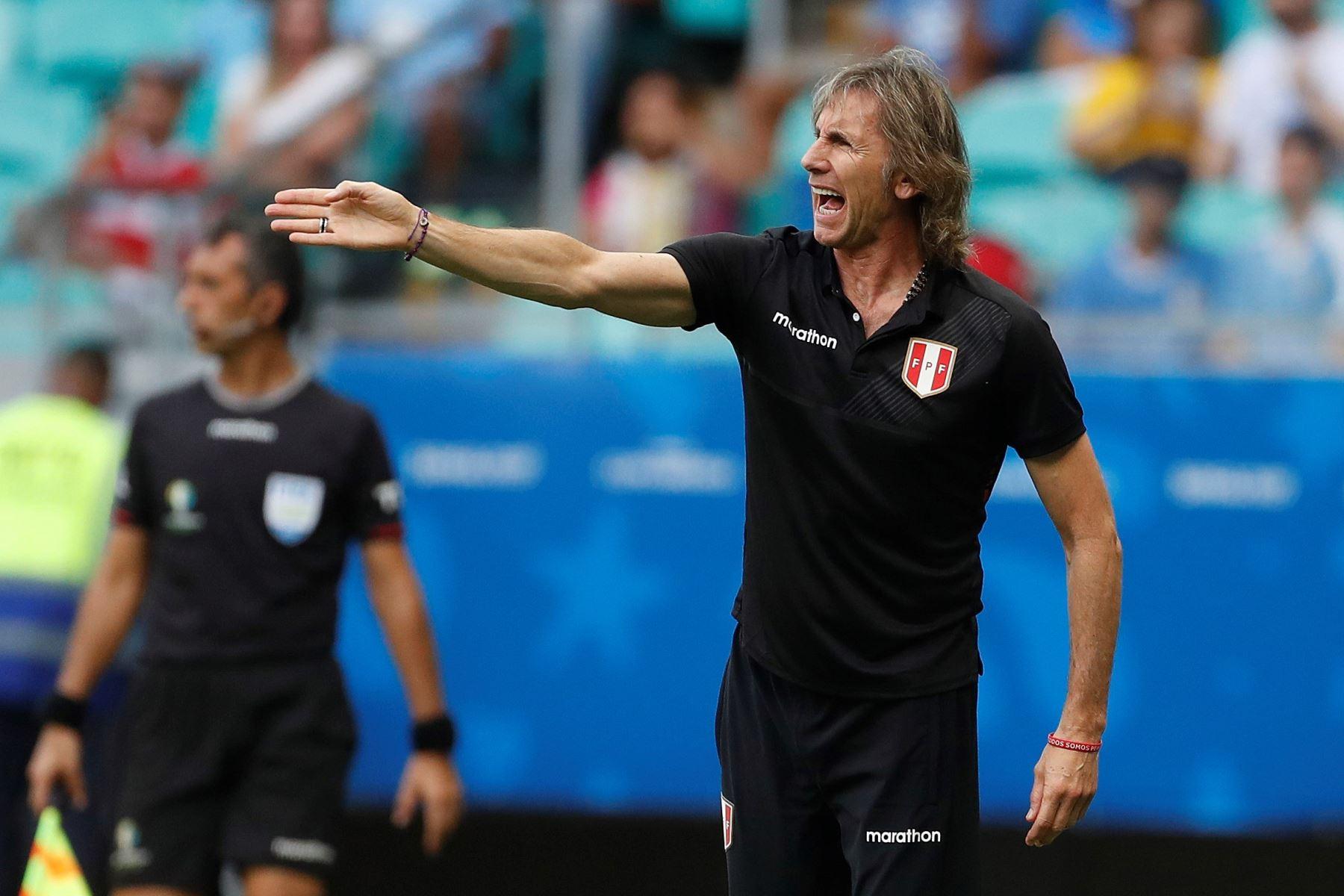 Ricardo Gareca cumple hoy 62 años, es el entrenador más querido de la selección peruana. Foto: EFE