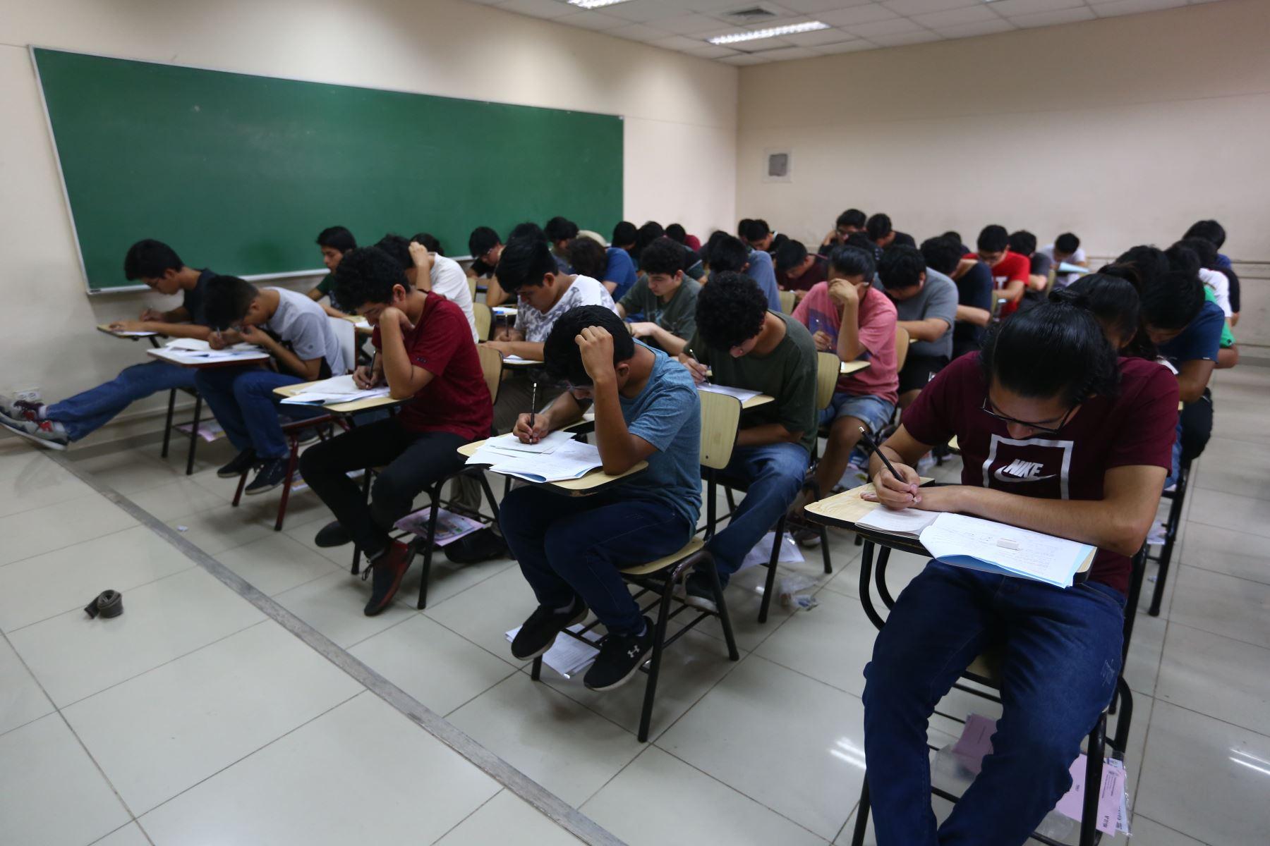 Examen de admisión a la Universidad Nacional de Ingeniería (UNI), en imagen previa al inicio de la emergencia por covid-19. ANDINA
