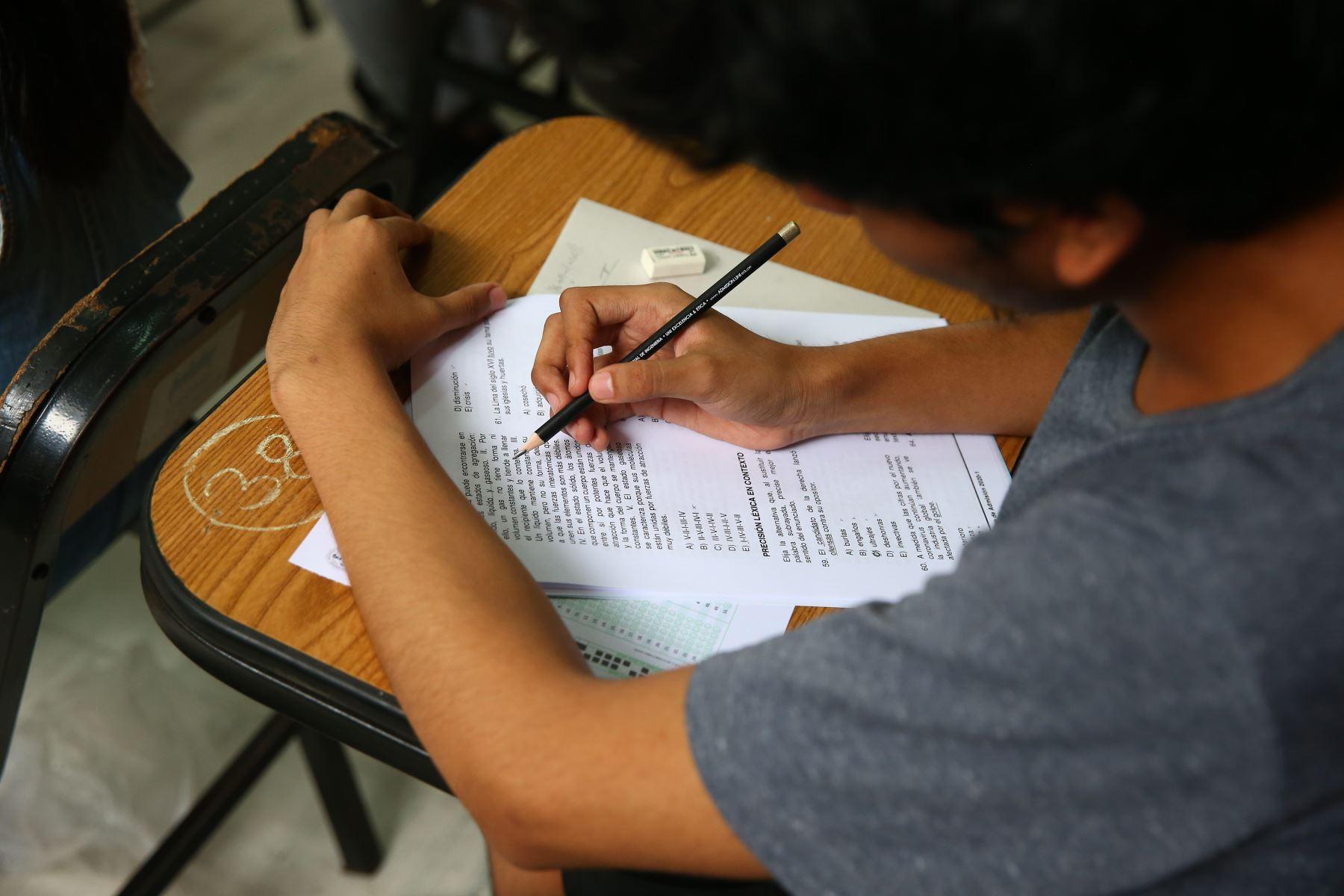 """""""Ampliación de la moratoria consolidará la reforma de la educación superior"""", dijo Benavides. Foto ANDINA"""