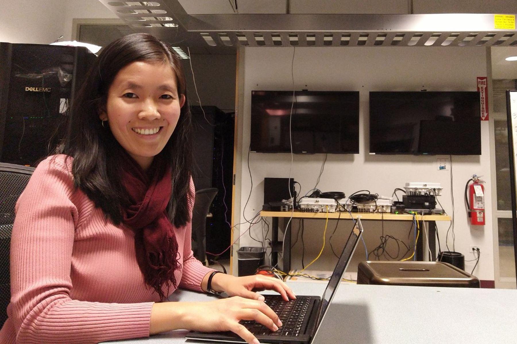 Nadia Yoza es parte de la organización de STEM para todas, el primer programa de inmersión en ciencia, tecnología, ingeniería y matemáticas dirigido a alumnas de secundaria de colegios públicos y privados