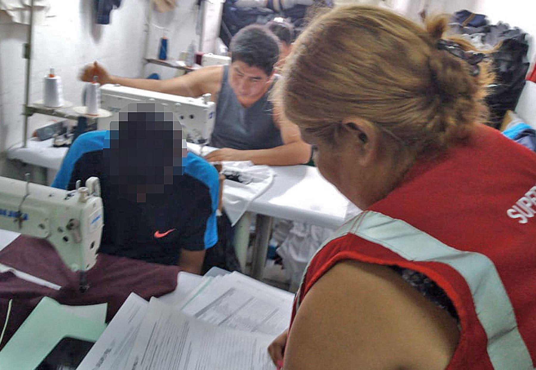 Intervención se realizó junto a miembros de la municipalidad de La Victoria y la DIVINTRAP de la Policía Nacional del Perú.