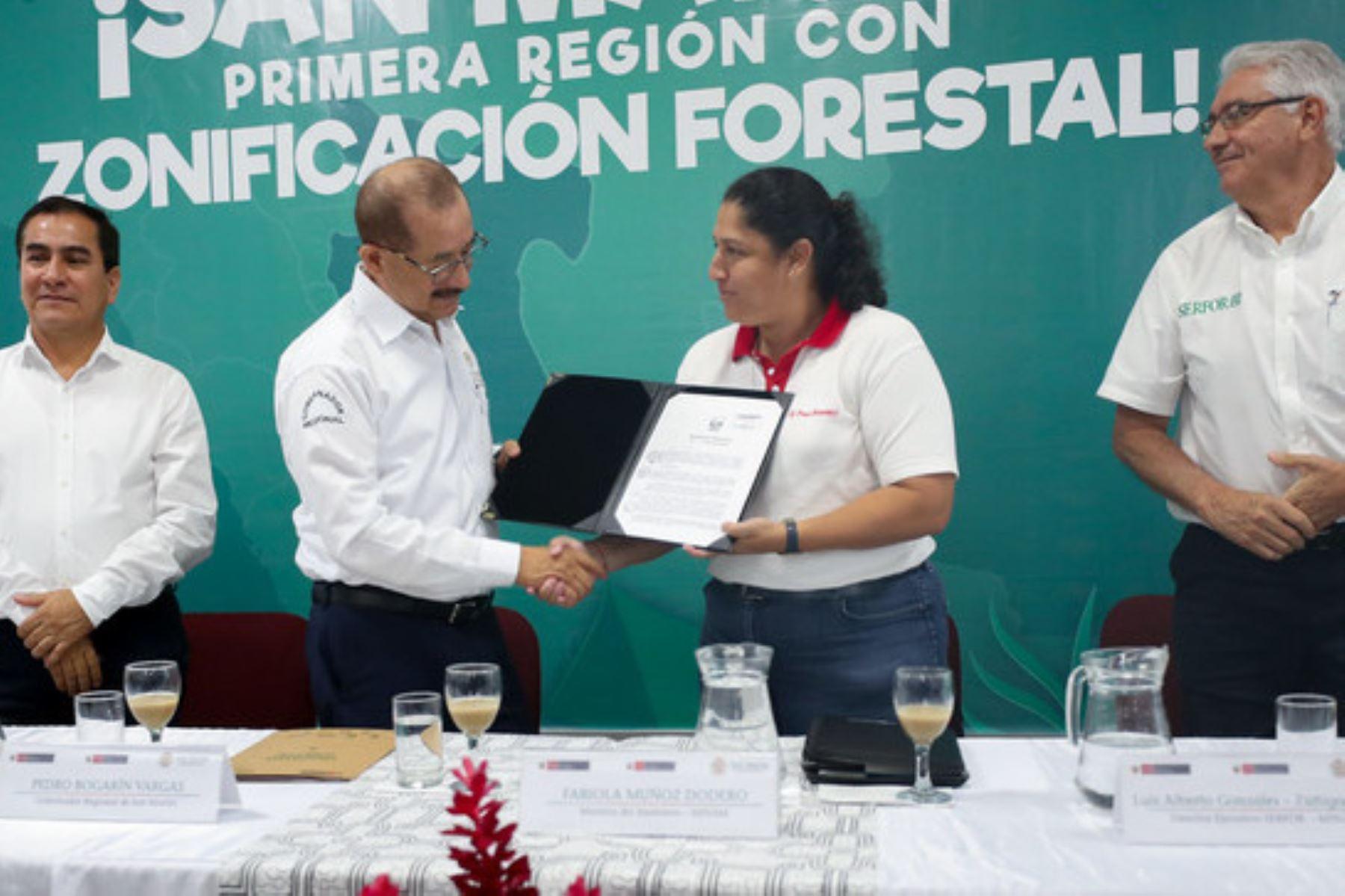 El próximo paso en el proceso de zonificación forestal será implementar la herramienta, afirmó la ministra del Ambiente, Fabiola Muñoz.