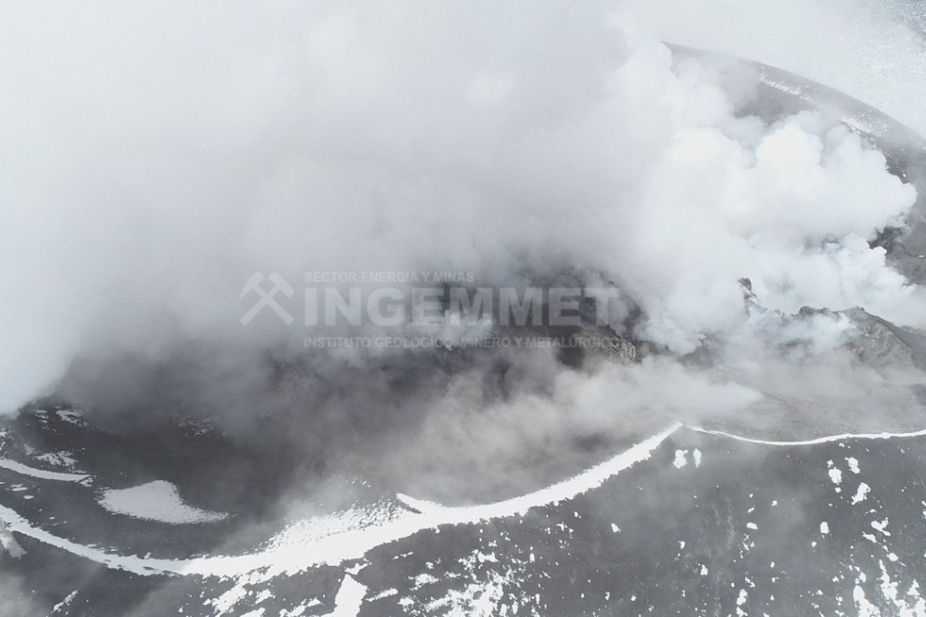 El Ingemmet efectuó sobrevuelo con dron el cráter del volcán Sabancaya, ubicado en la región Arequipa.