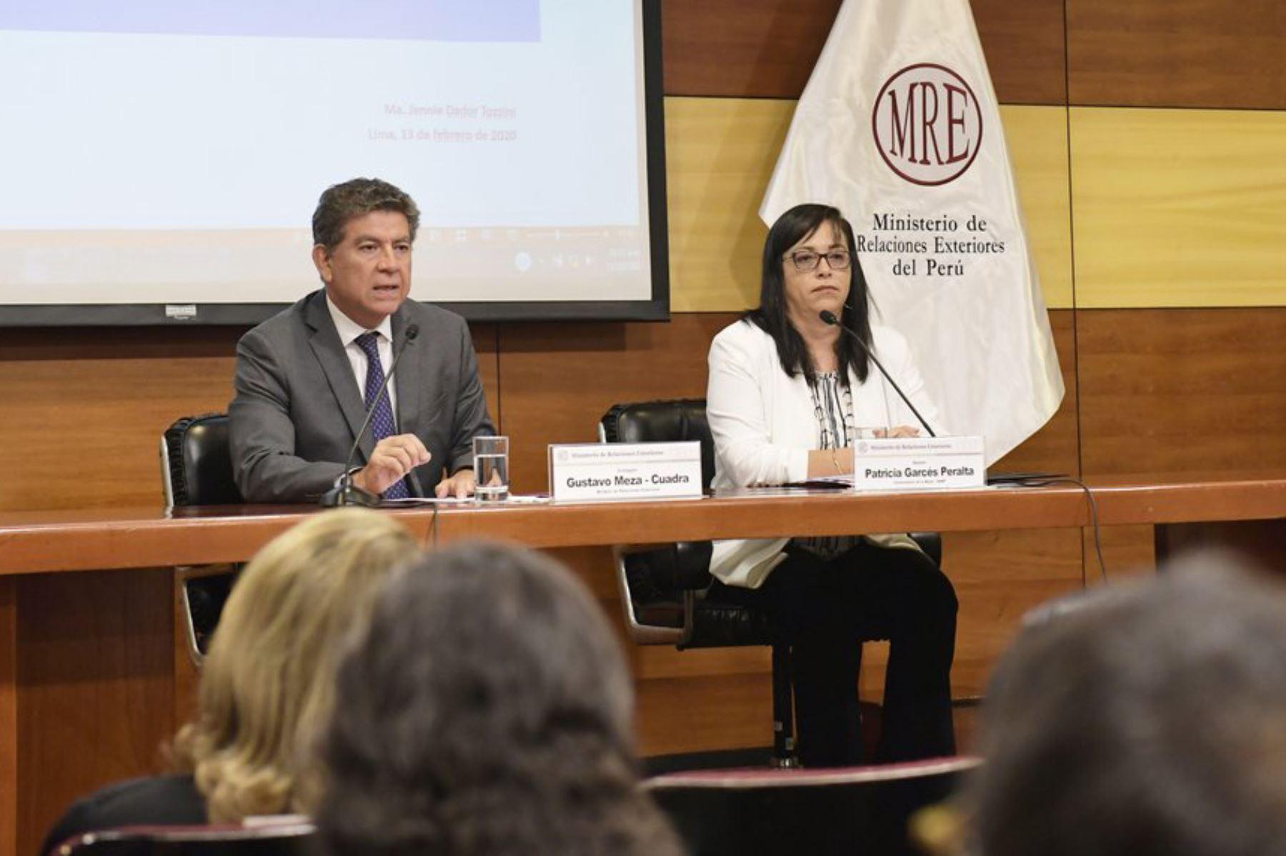 El canciller Meza-Cuadra y la viceministra Garcés inauguraron actividad. Foto:  ANDINA/Difusión