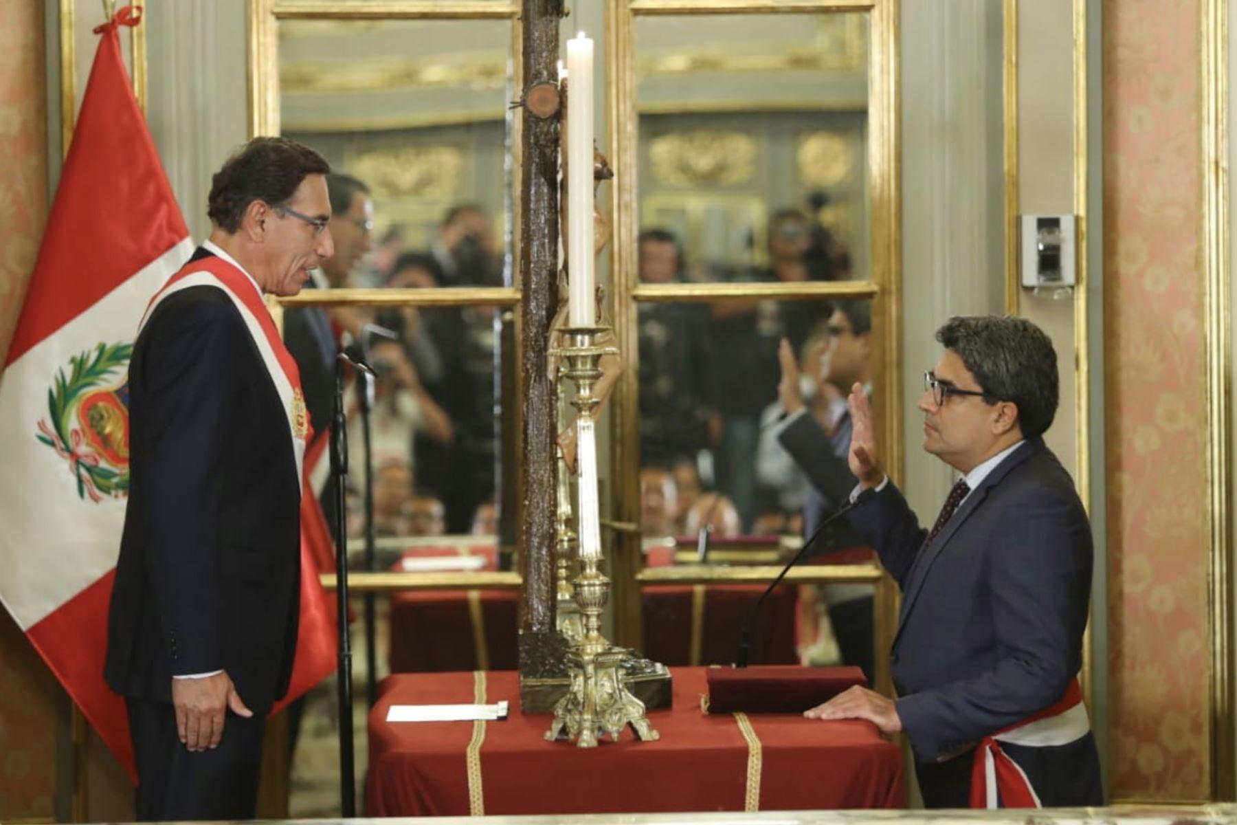 Carlos Martín Benavides Abanto, asume el cargo de ministro de Educación. Foto: ANDINA/Prensa Presidencia