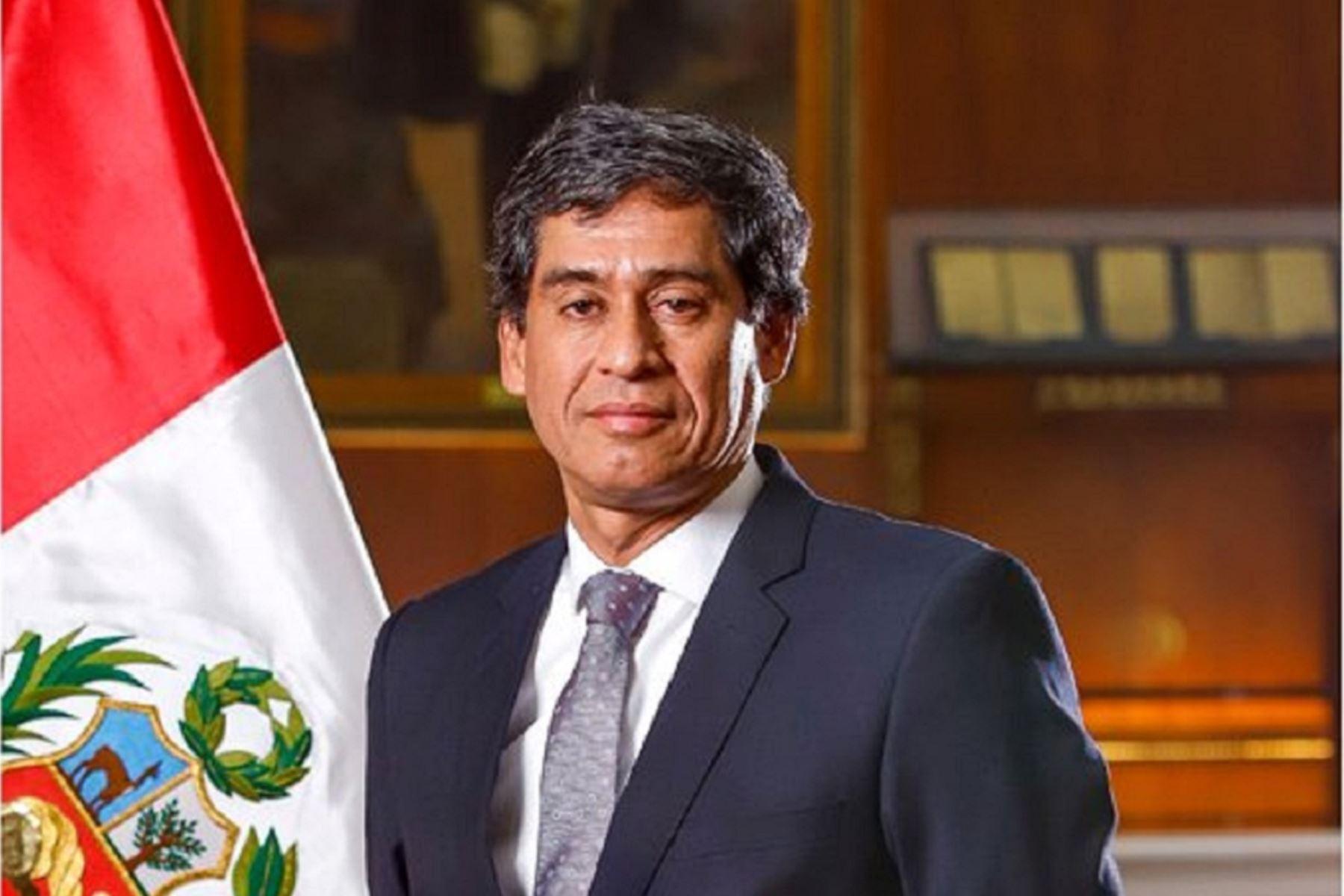 Ministro de Transportes y Comunicaciones, Carlos Lozada Contreras. Foto: cortesía.