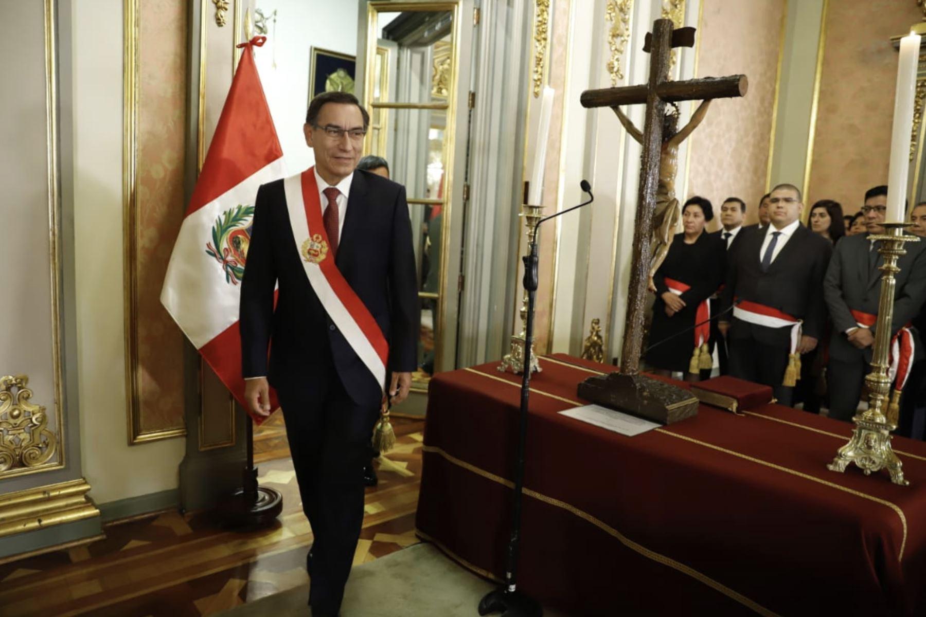 Presidente de la República, Martín Vizcarra juramentó a ministros de los sectores: Educación, Minas, Justicia y Transportes. Foto: ANDINA /Prensa Presidencia