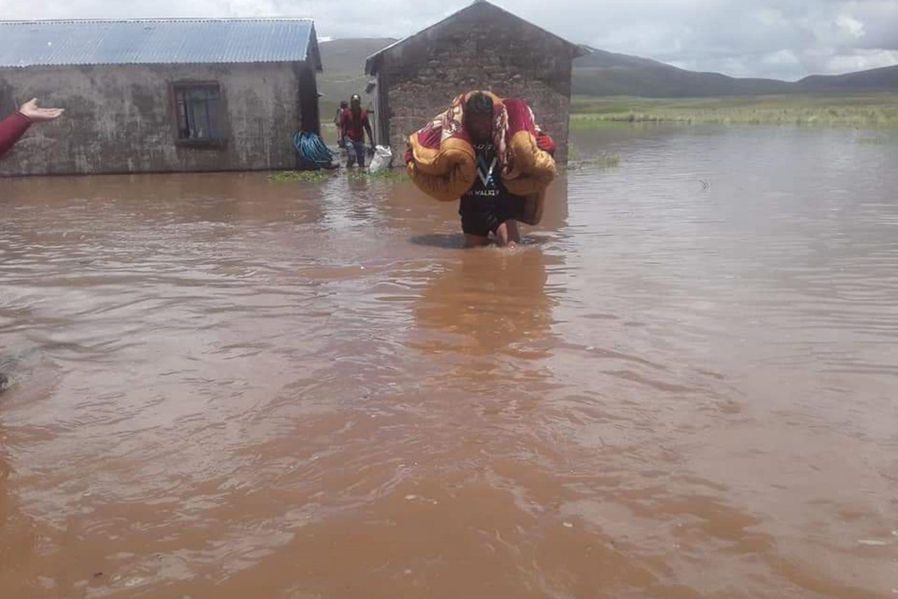 El desborde de ríos afectó a viviendas y terrenos de cultivo en las provincia de Chucuito y El Collao, en Puno. ANDINA